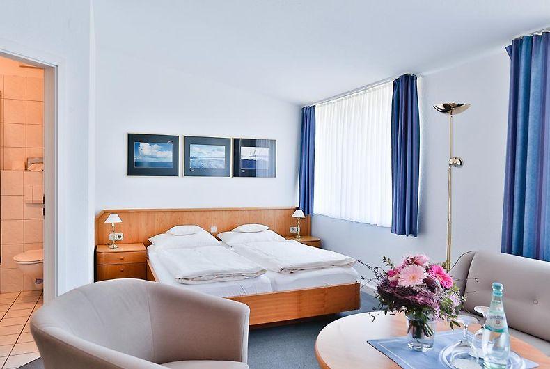 Galerie Hotel Garni Feuerschiff Langeoog Island